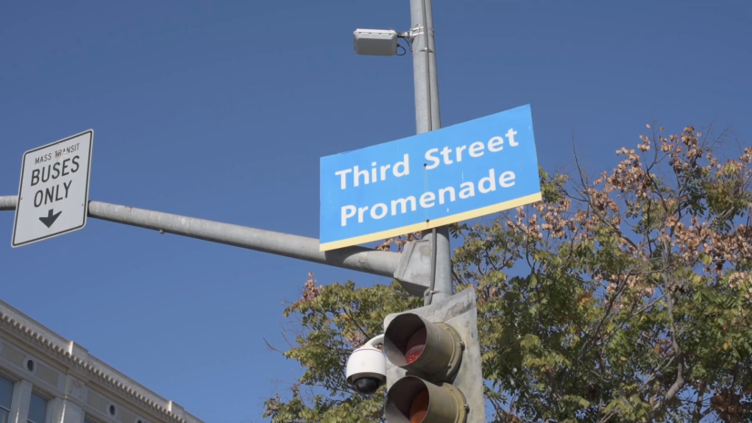 Free Stock Footage – Santa Monica Third Street Promenade Street Sign 01 – Royalty Free