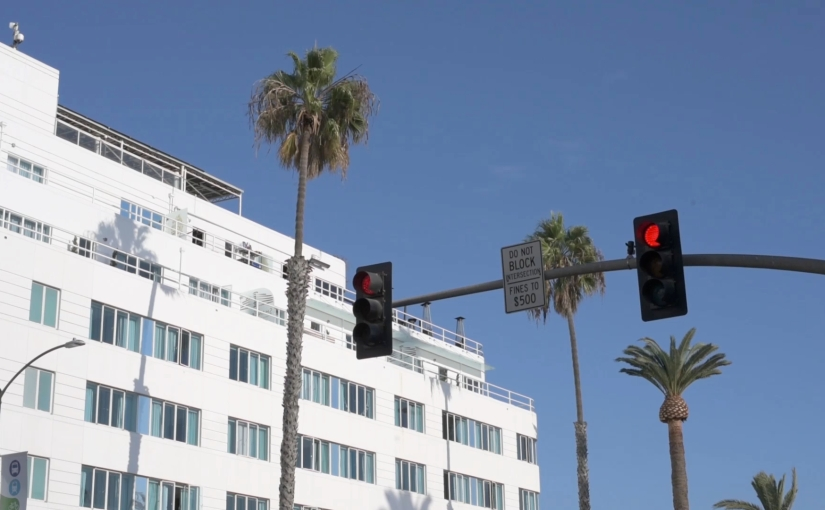 Free Stock Footage – Santa Monica Streetlights with Palm Tree Ocean Ave – Royalty Free